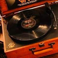 黑胶和cd哪个值得收藏,如何从国外购买黑胶唱片cd?